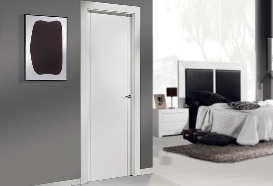 Puertas lacadas blancas lisas en stock Cala