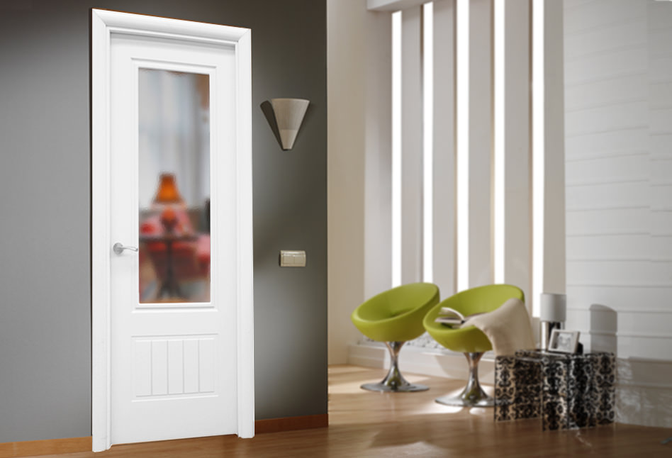 Puertas lacadas blancas lisas en stock Demasa