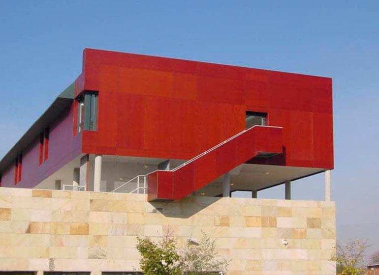 Almacén paneles fenólicos fachada ventilada